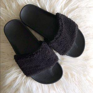Shoes - Black Sherpa Slides